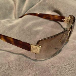 Gucci Accessories - 💯 Authentic Gucci Sunglasses